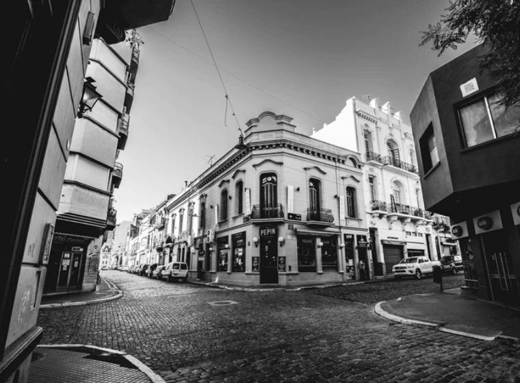 Angelo Calcaterra | Un recorrido por San Telmo, con ojos de turista